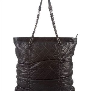 SOLD ***CHANEL QUILTED CHAIN TOTE
